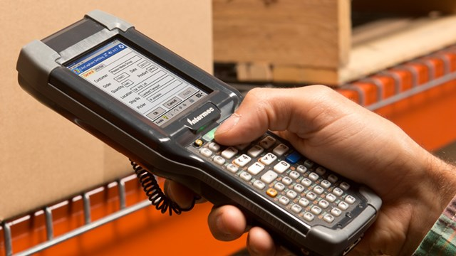 Handheld warehouse management system device